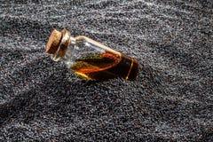 Масло макового семенени стоковые фото