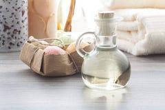 Масло массажа с шариками мыла Стоковые Фотографии RF