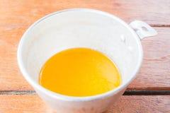 Масло melt хлебопекарни измеренное в чашке Стоковое фото RF