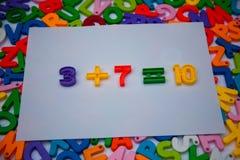 Математики написанные с блоками алфавита стоковые изображения rf