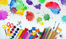 Материалы для творческих способностей детей стоковое фото rf