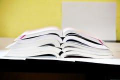 Материал исследования книг стоковая фотография rf