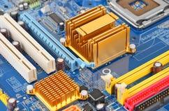 материнская плата компьютера цвета сини близкая вверх Стоковые Фотографии RF