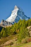 Маттерхорн, вероятно самая известная гора стоковые изображения