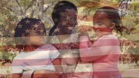 Мать в военной форме с дочерьми в парке видеоматериал