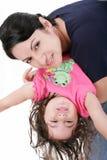Мать играя с ее дочерью Стоковое Изображение RF