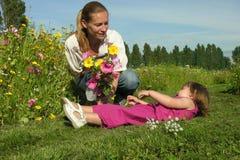 Мать и девушка стоковое изображение