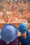 Мать и дочь в Дубровнике стоковая фотография rf