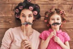 Мать и ее дочь ребенка Стоковые Изображения
