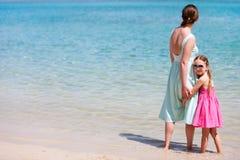 Мать и дочь на каникуле Стоковое Изображение RF