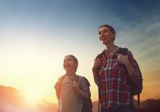 Мать и ребенок наслаждаясь путешествием Стоковое Фото