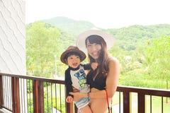 мать и ребенок на лесе плоти Стоковые Фото