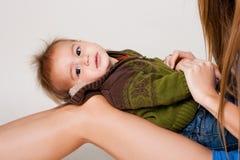 мать мальчика красотки маленькая Стоковое Изображение