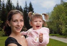 мать ребенка outdoors Стоковое Изображение