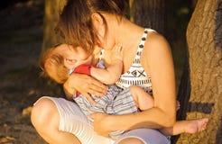 Мать с ее сынком Стоковое Изображение RF