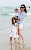Мать с 2 дочерьми стоковая фотография rf