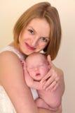 Мать с усмехаться младенца Стоковое Изображение RF