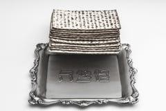 Мацы для еврейской пасхи Handmade с шаром серебра a Стоковое фото RF