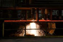 Машина вырезывания стальная в заводе по изготовлению стали выплавкой Обрабатывать для стоковые изображения