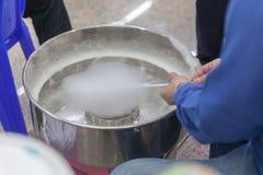 Машина для того чтобы сделать конфету сахара хлопка Стоковое фото RF