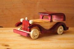 Машина игрушки деревянная Стоковые Фото