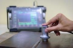 Машина испытания пользы контролера ультразвуковая на дефект i осмотра Стоковая Фотография RF