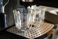 Машина кофе готова к использованию, космос экземпляра Стоковые Фото