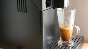 Машина кофе делая кофе сток-видео