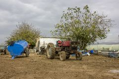 Машина металла античного трактора деревенская ржавая Стоковое Изображение