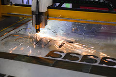 Машина отрезка лазера CNC стоковое изображение rf