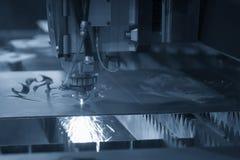 Машина отрезка лазера CNC стоковое фото