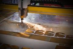 Машина отрезка лазера CNC стоковые фотографии rf