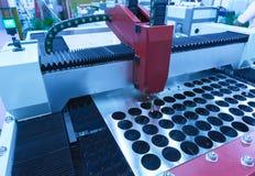 Машина отрезка лазера CNC пока режущ стоковые фотографии rf