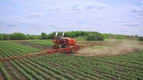 машина полива земледелия Поле машинного оборудования земледелия моча акции видеоматериалы