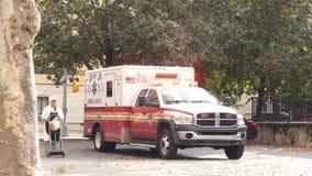 Машина скорой помощи FDNY видеоматериал