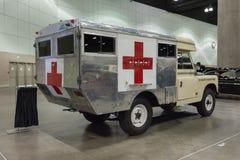 Машина скорой помощи Land Rover IIA великобританская воинская Стоковое фото RF