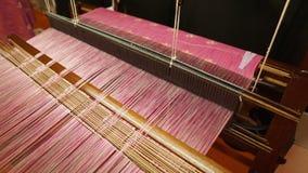 Машина Songket сплетя стоковое изображение