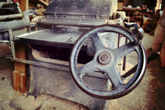 Машины в старом joinery стоковые изображения
