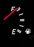 маштаб топлива автомобиля Стоковое фото RF