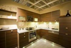 маштаб 13 кухонь самомоднейший новый Стоковые Фотографии RF