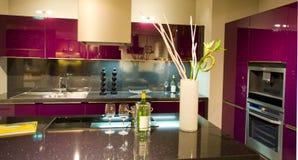 маштаб 14 кухонь самомоднейший новый Стоковые Фотографии RF