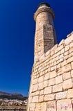 Маяк в старой венецианской гавани на утре, городе Rethymno, Крита Стоковые Изображения RF