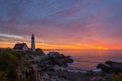 Маяк головы Портленда на восходе солнца Стоковая Фотография RF