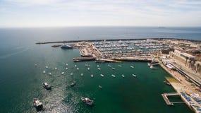 Маяк и Марина вида с воздуха Cascais Португалии Стоковое фото RF