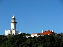 маяк коттеджа byron залива Стоковая Фотография