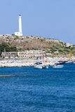 Маяк Малый порт Santa Maria di Leuca, южной Италии Стоковая Фотография
