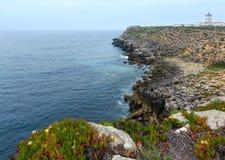Маяк накидки Carvoeiro Peniche, Португалии Стоковые Изображения