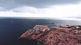 Маяк на накидке Formentor в побережье северной Мальорка, Испании Художническое landascape восхода солнца и сумрака видеоматериал