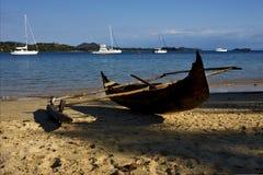 Мадагаскар nosy шлюпка яхты ветви утеса каменная стоковые изображения