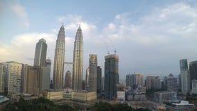 Малайзия, Куала-Лумпур взгляд центра города и moving облаков с верхней частью, промежутком времени акции видеоматериалы